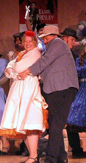 Tania in The Gondoliers 2005 — 'Giulia', with Joel Hume — 'Antonio'