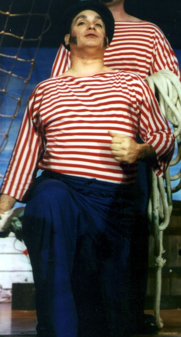 Fred in HMS Pinafore 2002