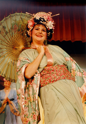 Kathy in The Mikado 1995 — 'Yum-Yum'