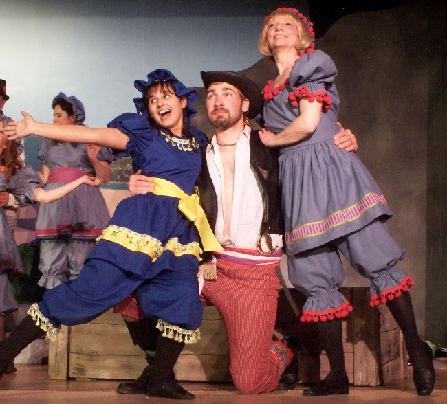 Anne in The Pirates of Penzance 2006, with Gracie Martin and Robert D. Gorski