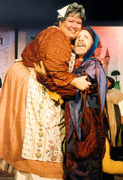 Julia in The Sorcerer 1999 — 'Mrs. Partlet', with Tracy Burdick — 'The Jester'