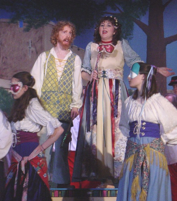 Tracy Burdick in The Yeomen of the Guard 2003 — 'Jack Point', with Lilah Crews-Pless, Kathy Perconti — 'Elsie', and Adrienne West