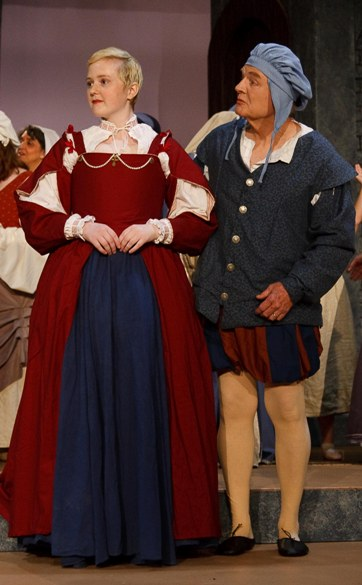 Laura in The Yeomen of the Guard 2009, with Bradford Rivers