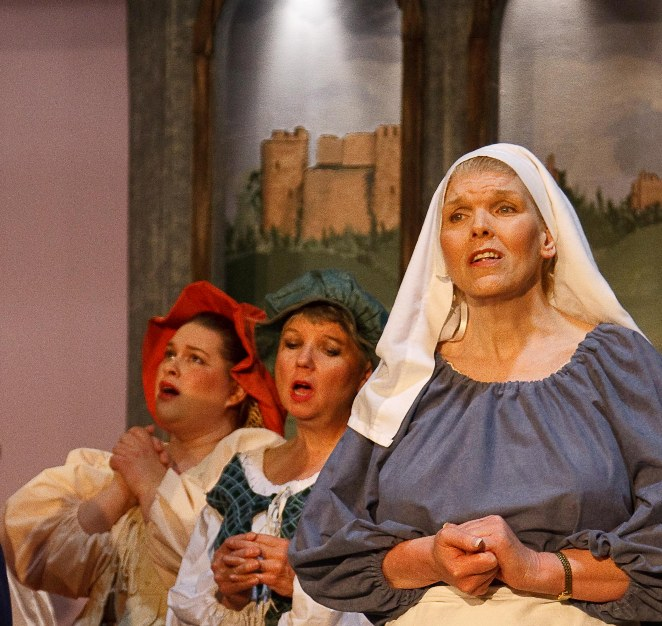 Melina in The Yeomen of the Guard 2009, with Audrone Gecas and Björna-Erika Rennie