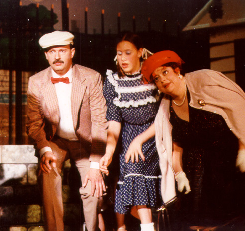 Laurel in The Zoo 2001, with David Odgers and Jennifer Odgers